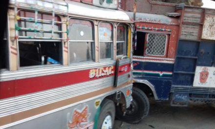 Passenger bus collided, 5 injured in Kahsmir's Bandipora