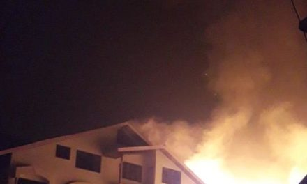 Fire engulfs many houses, Darul-uloom at Jawahar Nagar
