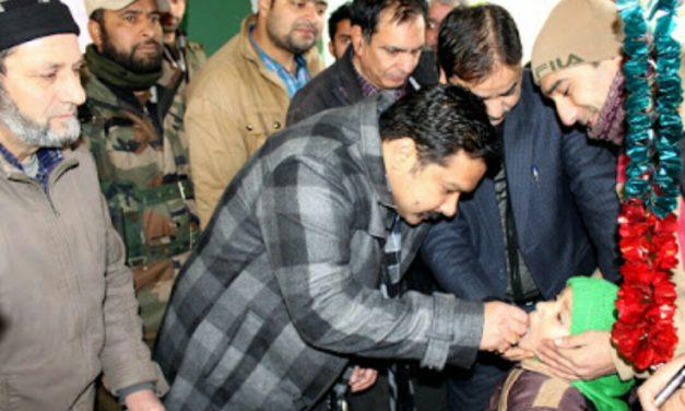 DDC Kick Starts Pulse Polio Immunization Programme In Ganderbal