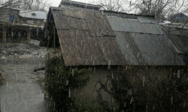 Light rain breaks cold wave in J&K