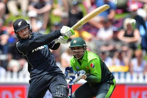New Zealand beat Pakistan by 15 runs to seal series sweep whitewash over the tourists.