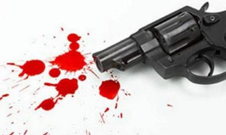 An army man shot himself with his service weapon in Uri area of north Kashmir's Baramulla district on Sunday.