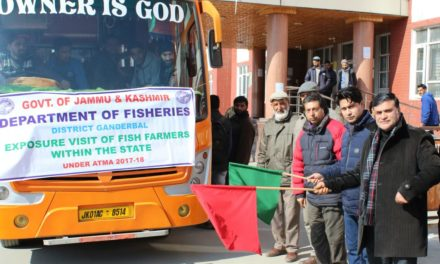 Exposure visit of Fish farmers flagged off by ADDC Ganderbal