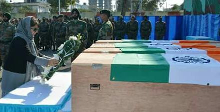 Chief Minister lays wreaths on bodies of Army personnel
