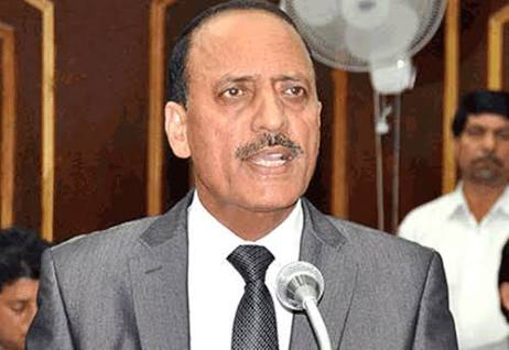 Abdul Haq conducts surprise check of RDD offices in Kathua