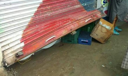 Burglars looted seven shops in Imamsahib, Shopian