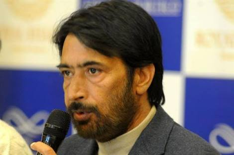People in Kashmir living in absolute fear: Mir.
