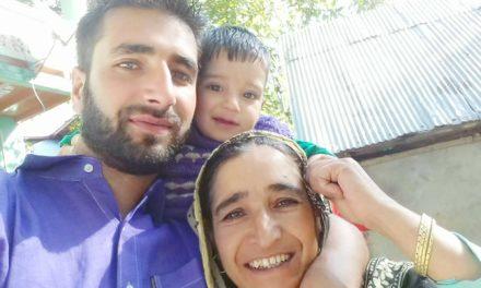Mother of Kashmir Reader Ganderbal Correspondent hospitalized, GJA appeals for prayers