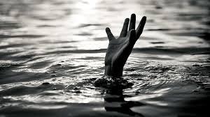 Female teacher drown at Nallah Sind Sonamarg