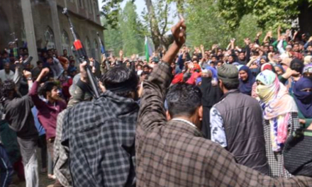Militants Offer Gun Salute, Thousands participate in funeral prayers of slain militants killed in Kulgam