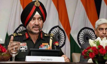 Lt General AK Bhat pays obeisance at Chrar-e-Sharif shrine