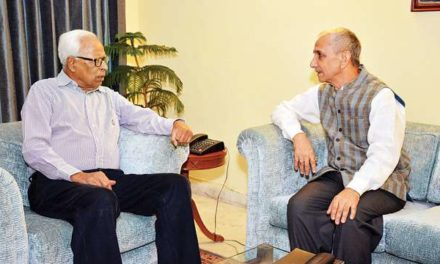 """Dineshwar Sharma meets Governor, """"Briefs him about programme of his current visit to Kashmir"""