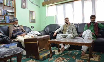Flash : Article 35-A on agenda, JRL meets at Geelani's residence in Srinagar
