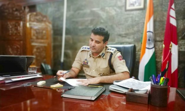 SSP Khalil Poswal Takes Charge as SSP Ganderbal