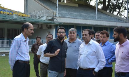 Div Com Kashmir takes stock of I-Day arrangements at SK Stadium