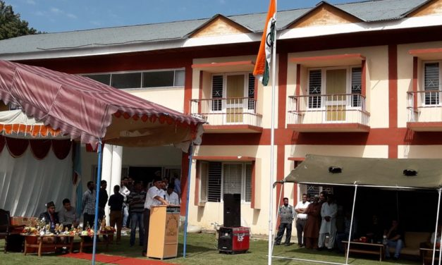 The SDM Kokernag unfurled the National Flag at the main function held at Kokernag.