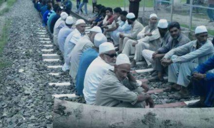 Budgam protests against dilapidated roads
