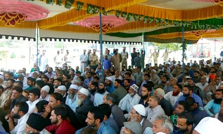 PDP President addresses workers meeting at Kangan, 'JK resolution, Indo-Pak amity founding principles of PDP: Mehbooba'
