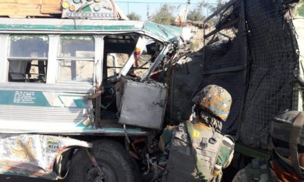 5 army soldiers, civilian injured in Tangmerg road accident