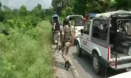 Encounter rages in Tral
