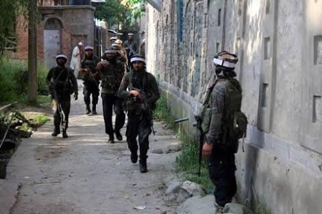 Gunfight rages in Srinagar