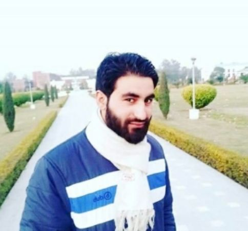 Tens of thousands participate in funeral of scholar-turned-militant Manan Wani