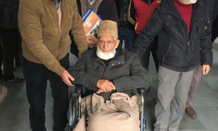 Ailing Geelani taken to SKIMS Soura for medical check up