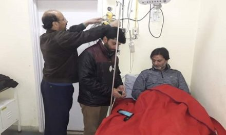 Jailed JKLF Chief Yasin Malik shifted to SKIMS Soura for health check-up
