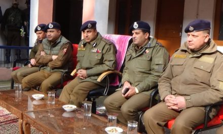 IGP Kashmir visits Ganderbal; Interacts with Jawans at Police Station Ganderbal; stresses on people friendly and transparent policing