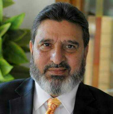 Altaf Bukhari demands free air services for stranded passengers