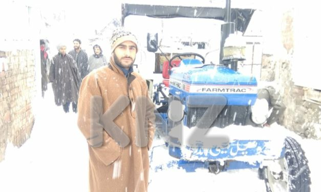 Deputy Chairman Mr Sajad Ahmad of GMC conducted a tour of Ganderbal town to review snow clearance.