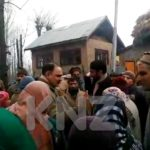 Multiple protest in Ganderbal against power Development Department,demanding immediate restore of power
