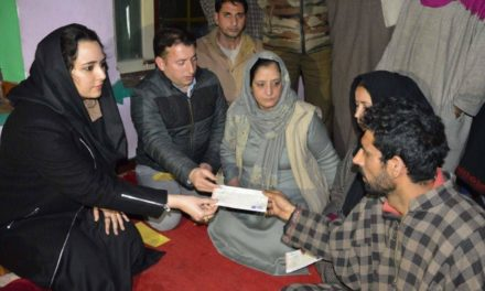 DC Budgam handover cheques worth Rs. 4 lakh as relief to Budgam helicopter crash victim's family