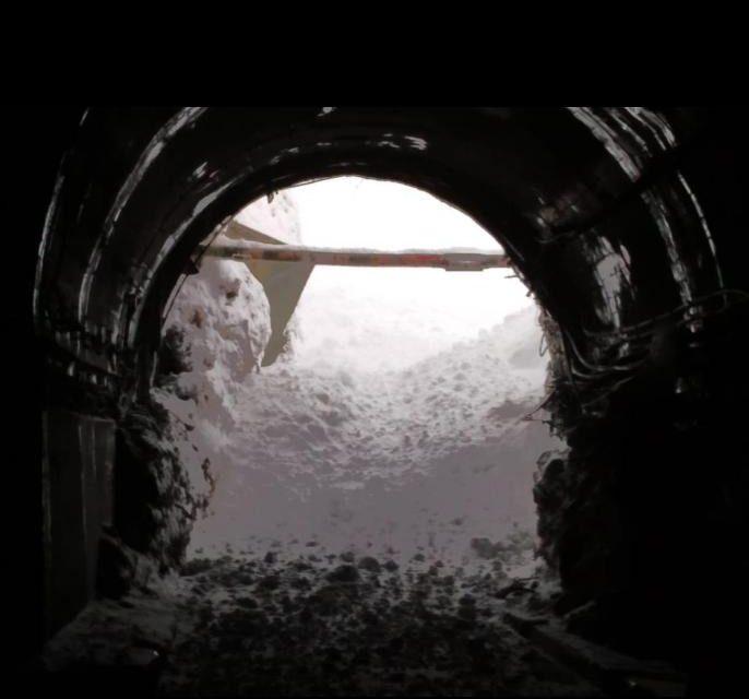 Avalanche hits Jawahar tunnel along Srinagar-Jammu highway