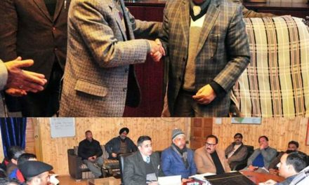 Dr. G.N Ittoo assumes charge as DC Baramulla