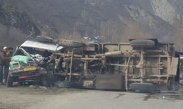 Four CRPF men, five civilians Injured in road mishap in Baramulla
