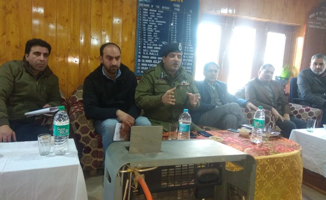 DC Ganderbal assured Will resolve all the issues,Greviences of Kangan residence.