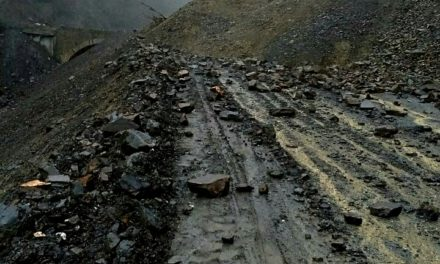 Traffic suspended on Kashmir highway after fresh landslides