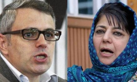 Mehbooba, Omar welcomes Imran's peace gesture to release captured Indian pilot