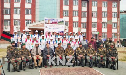 5RR Army flags off capacity building tour to Delhi,Jaipur in Ganderbal