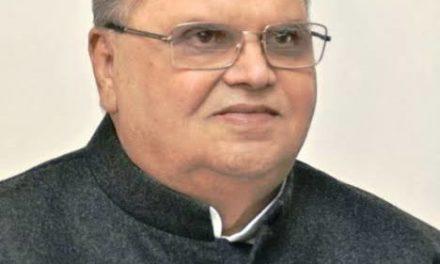 Governor Greets People On Jumat-Ul-Vida