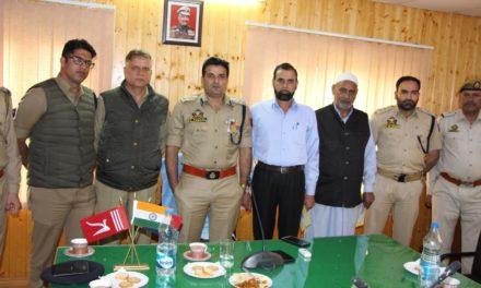 Ganderbal Police Gave Warm Send Off three Retiring Police Officers