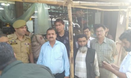 Srinagar Police alongwith executive magistrates and other concerned departments conducts market checking