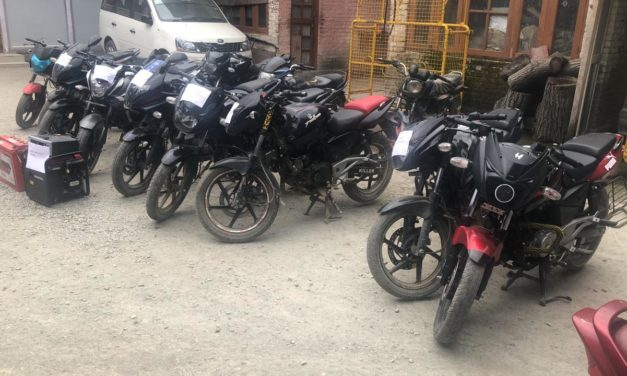 Pulwama Police busts gang of bike lifters, 12 Stolen bikes recovered