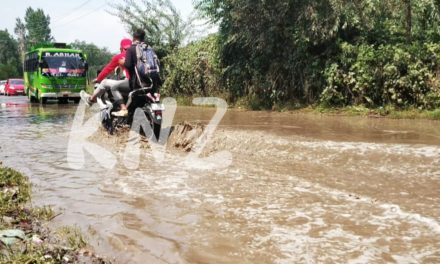 National Highway flooded, drainage fails locals suffer in Nunner Ganderbal