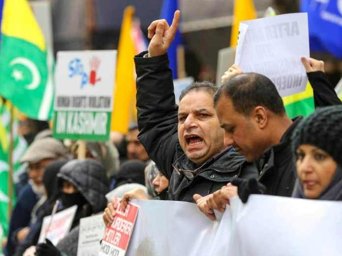 Hundreds in London protest against India's treatment of Kashmir: Report