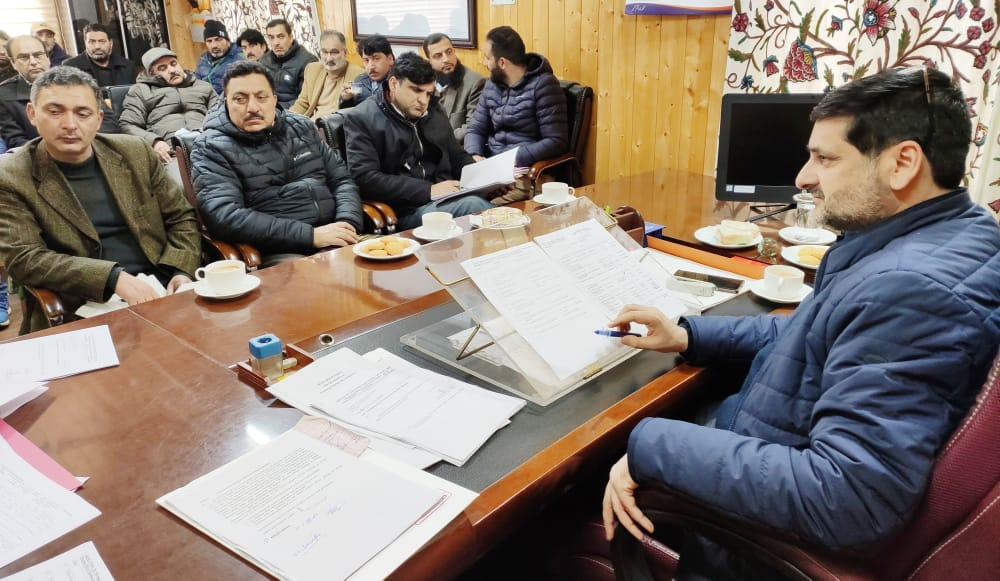 DEO Bandipora reviews poll preparedness,Stresses on coordinated efforts to ensure smooth conduct of polls