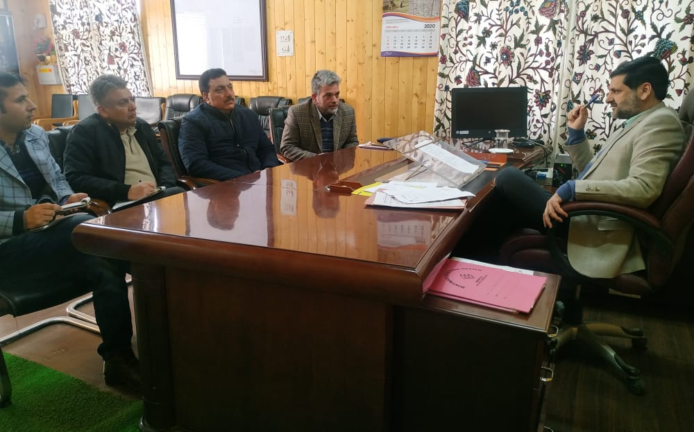 SHGs get 148 works at a cost of Rs 11.27 Crore in Bandipora,DC Bandipora reviews functioning of SHGs of Engineers