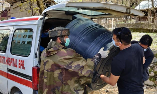 Army donates washbasins, sintex to district hospital Bandipora